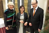 Na Českém velvyslanectví ve Vídni proběhl za účasti Grušových dětí, manželky Sabiny a také poslankyně Jany Fischerové vzpomínkový večer na Jiřího Grušu.