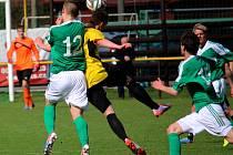 Zpátky ve hře o postup do divize jsou fotbalisté ždíreckého Tatranu, kteří vyhráli v Třešti a jejich konkurent z Humpolce prohrál v Moravských Budějovicích.