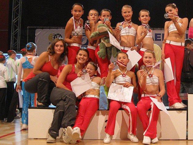 Nejmladší tým brodského Fanaticu dokázal na mistrovství republiky vybojovat cenné stříbrné medaile.
