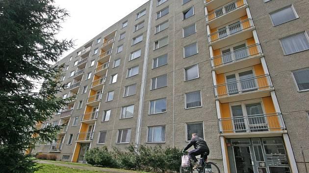Cenová bomba. Za takovou mají lidé novou vlnu privatizace městských bytů v Havlíčkově Brodě. Největší protesty se valí ze sídliště Na Výšině, kde se ceny za jeden metr čtvereční pohybují od šesti a půl do téměř deseti tisíc.