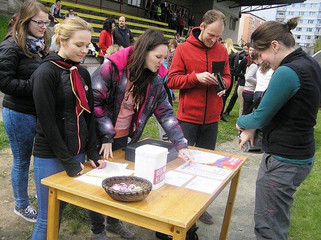 Účastníci humanitární akce mohli běžet nebo si koupit originální srdíčko.