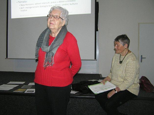 Eva Říhová z Pelhřimova a Miluše Vidherová z Havlíčkova Brodu (vpravo) mají nač vzpomínat.