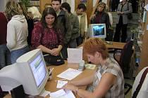 Bylo narváno. V úterý a ve středu 19. září bylo v knihovně v Havlíčkově Brodě téměř nedýchatelno. Zájemci se totiž ve velkém počtu hlásili do vzdělávacích projektů.