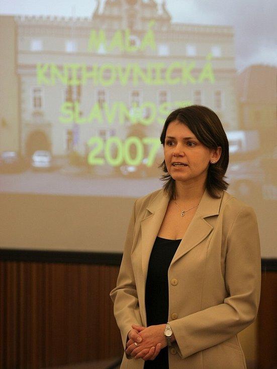 Nová ředitelka. Letos poprvé předávala ceny knihovníkům nová ředitelka Krajské knihovny Vysočiny Veronika Peslerová.