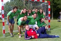 Vítězové. Tým Komeťáků sestřelil ve finále Šmolovy Cup 2007 Diamantové nohy 6:2.