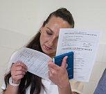 Deset vězenkyň ve Věznici Světlá nad Sázavou získalo výuční list v oboru Provozní služby.
