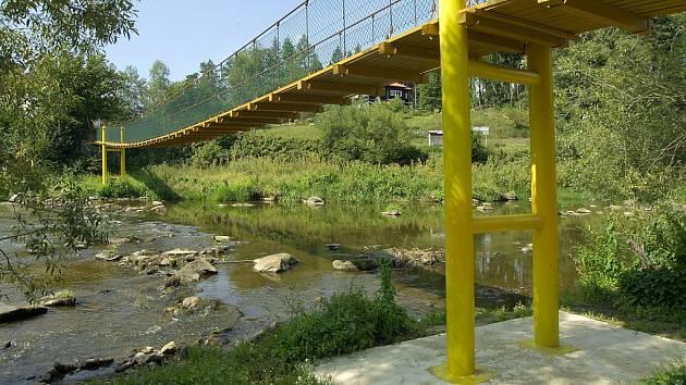 U řeky. Okolí Sázavy mezi Světlou a Ledčí  je jedním z turisticky nejnavštěvovanějších míst Havlíčkobrodska.