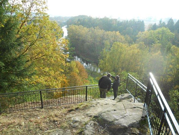 Vyhlídka na řeku Sázavu.