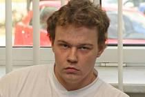 Odsouzen. Student Petr Řezanina ze Žďáru nad Sázavou nastoupil do vězení, protože opilý havaroval a usmrtil dva spolujezdce. Spor se táhl neuvěřitelných   pět let. Řezanina totiž tvrdil, že on za volantem neseděl.