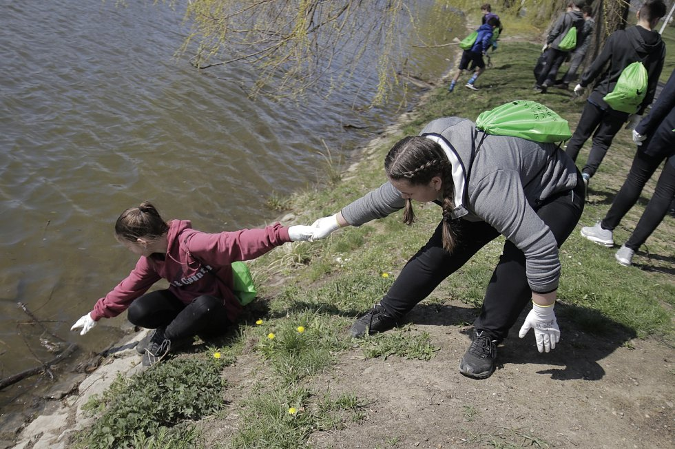 ZŠ V Sadech se zapojila do projektu Čistá řeka Sázava
