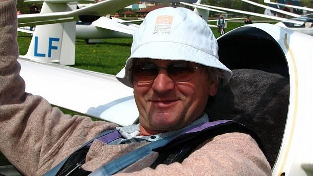 Pavel Loužecký (na snímku) z Aeroklubu Přibyslav triumfoval na Flight Challenge Cup.