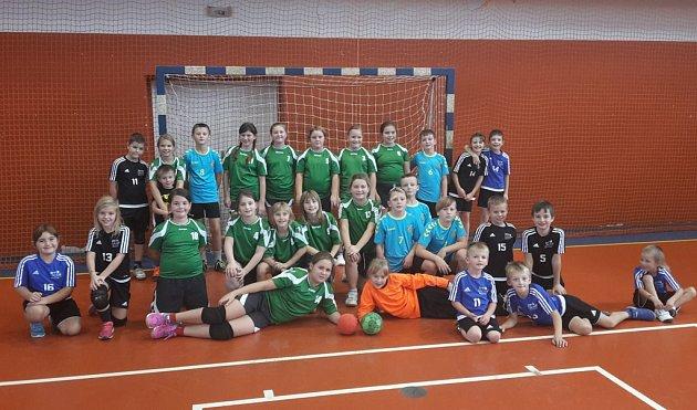 Bavit se chtějí svým sportem na turnajích v rámci Ligy Vysočiny  nejmenší házenkáři brodské Jiskry.