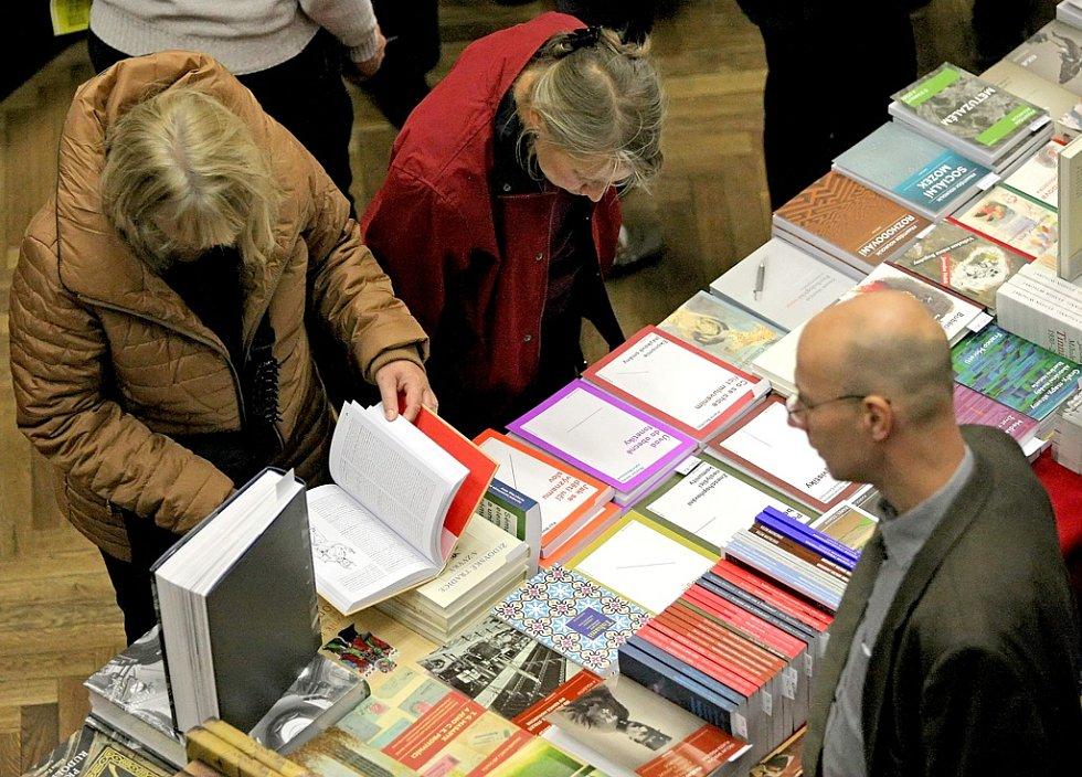 V havlíčkobrodském Kulturním domě Ostrov se v pátek a sobotu uskutečnil již 26. ročník tradičního Podzimního knižního veletrhu.