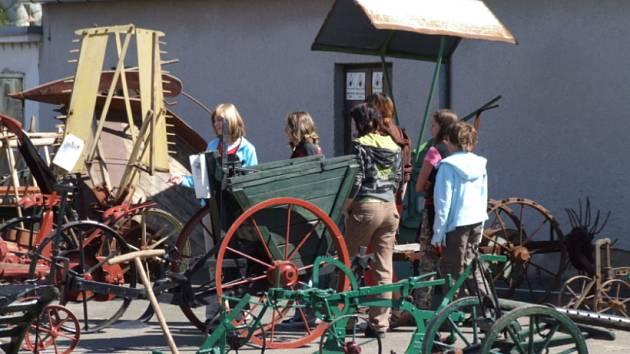 Den zemědělce byl přehlídkou novodobé i starší techniky.