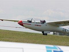 Do oblak se v Havlíčkově Brodě každý den za dobrého počasí vznese 64 letadel.