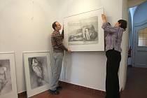 V pondělí vrcholily přípravy trojice výstav v havlíčkobrodské galerii výtvarného umění. Navíc si letos galerie připomíná půl století od svého vzniku. Vše začne ve středu od 17 hodin vernisáží výstavy Oldřicha Kulhánka.