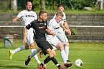 Fotbalisté Havlíčkova Brodu (v černém) se v sobotním utkání rozešli s Velkou Bíteší smírně po bezbrankové remíze.