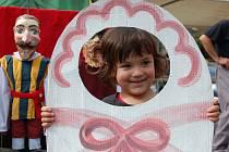 Loutkářskou Chrudim si užívají především děti, což ovšem neznamená, že si různé variace loutkových představení nemohou vychutnat i dospělí.