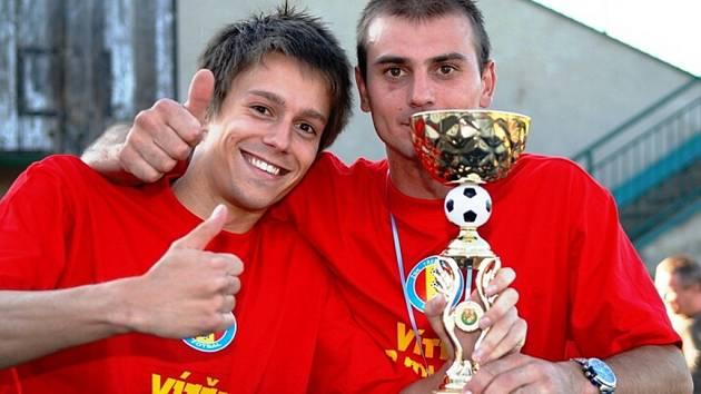 Po fotbalovém utkání I. B třídy Třemošnice – Hlinsko B (4:1) vypukly oslavy postupu Třemošnických do I. A třídy.