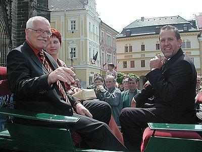 S prezidentem Václavem Klausem se setkal i Ladislav Libý, tehdy ještě jako starosta Chrudimě, při oslavách 950. let od první písemné zmínky.