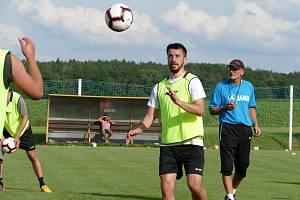 První trénink s chrudimským týmem má za sebou i zkušený fotbalista Jiří Janoušek (na snímku). Spolu s Hynkem a Mikerem jsou v Chrudimi na zkoušce z Hradce Králové.