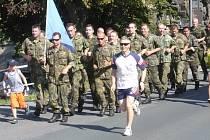 Běžcům charitativního běhu přálo počasí.