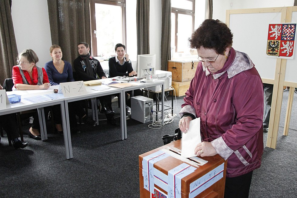 Volby do krajské samosprávy a doplňovací volby do Senátu v Hlinsku.