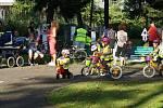 """""""Na kolo jen s přilbou"""" v chrudimském Městském parku."""