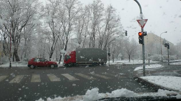 Sněhové přeháňky se nevyhnuly ani Chrudimi.
