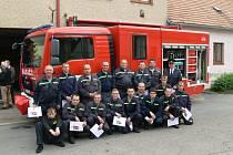 Dobrovolní hasiči ve Slatiňanech dostali nový vůz.