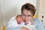 ŠTĚPÁN NEVEČEŘAL (3,22 kg a 50 cm) přibyl 3.6. v 8:26 do rodiny Jany a Zdeňka Nevečeřalových z Rosic a jejich 4letého Marečka.