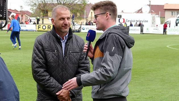 Soutěž dohrát. Hlavní přání předsedy klubu MFK Chrudim Tomáše Linharta (na snímku vlevo). Vyplní se?