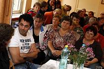 Hlinecké neziskové organizace se představily veřejnosti. Spestřením dne byla návštěva Martina Dejdara.