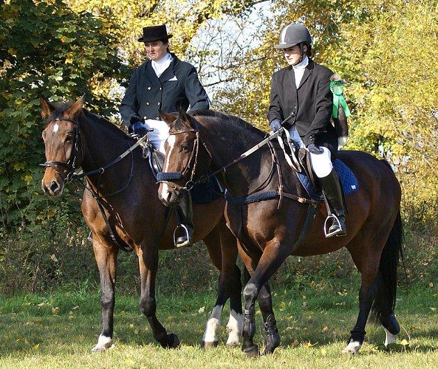 Koně závodili v parkuru při Hubertově jízdě v Kozojedech.