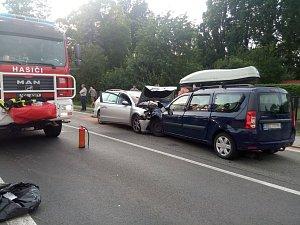Při nehodě v Čankovicích se deset lidí zranilo