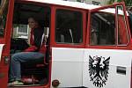 Hasiči SDH Topol a Anna Altrichterová z chrudimské pobočky Českého červeného kříže besedovali s dětmi ze ZŠ Sladkovského v Chrudimi.
