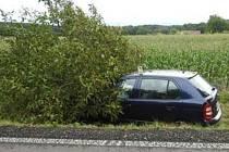 Nehoda na silnici u Nerozhovic.