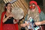 Stodoly kostely v Lozicích potěšily nejen příznivce folkloru.