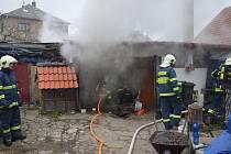 Požár garáže v Nasavrkách.