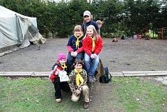 Chvíle strávené v přírodě nedaleko ronovské skautské klubovny si děti náramně užily.