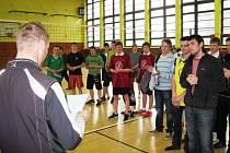 Dubnové kolo soutěže středoškoláků ve volejbalu.