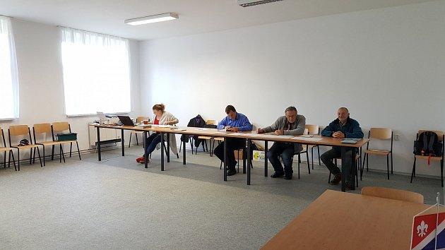 Nová volební místnost vKraskově na Chrudimsku.