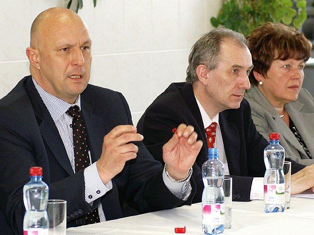 Ministr zdravotnictví Tomáš Julínek na návštěvě v Chrudimi.