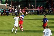 Z utkání I. A třídy ve fotbale Heřmanův Městec - Přelouč 3:0 (1:0).