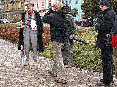 Architekt David Vávra společně se štábem ČT natáčeli na Chrudimsku dalš díl pořadu Šumná města.