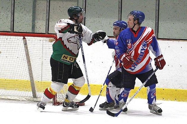 Hlinsko porazilo v play off krajské ligy Litomyšl v prvním střetnutí na domácím ledě 5:2.
