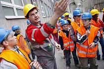 Prachovická cementárna Holcim připravila pro děti tradiční Den země.