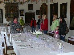 Na hradě Košumberk zahájili svatební výstavu.