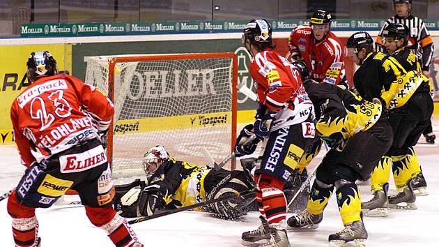 Chrudimští hokejisté zvítězili nad Sokolovem.
