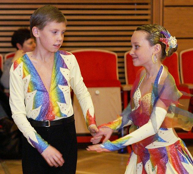 """Taneční soutěž """"Únorové géčko"""" pořádanou TKG Hlinsko hostil tentokrát kulturní dům ve Skutči."""